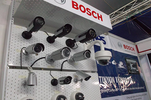 camera-an-ninh-bosch